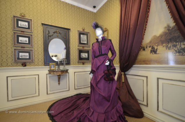 Victorian era dress and room decor