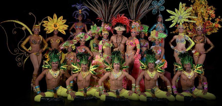 Bravissimo dancers in ocean world