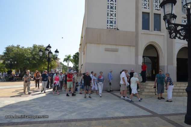 Cruise ship tourists visit the cathedral