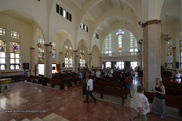The interior of the cathedral in Puerto Plata