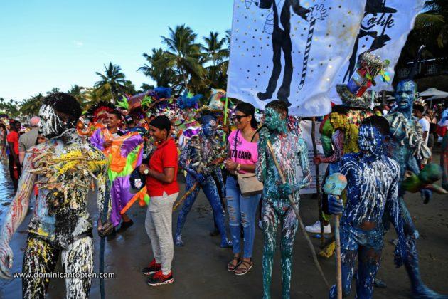 The pintaos at the beach carnival