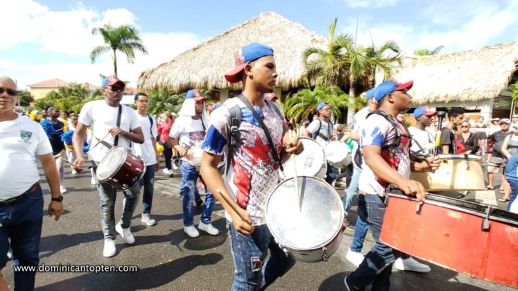 colored tshirts drummers