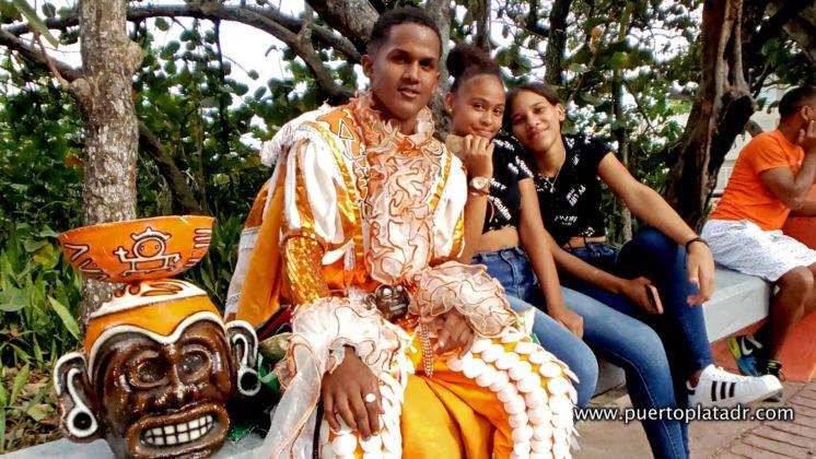 Teens posing in Carnival
