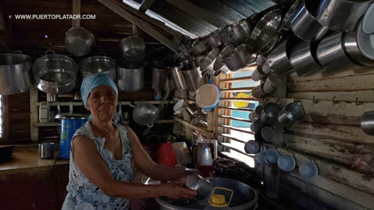 woman cooks in the countryside campo of Puerto Plata