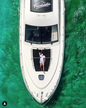 Yacht tour at Fricolandia